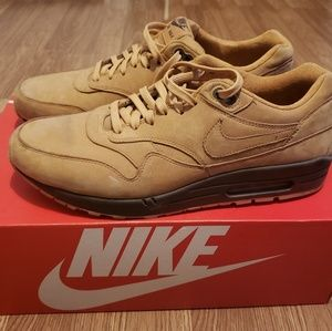 Wheat Nike shoes. Size 13